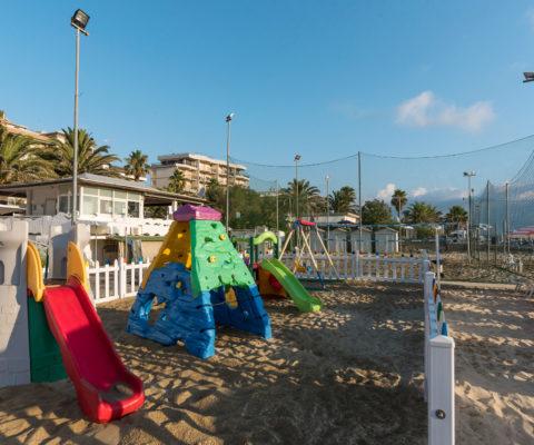 bambini-spiaggia-3